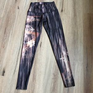 Onzie High-wasted full length leggings